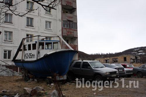 Стоянка в посёлке Мишуково Мурманской области
