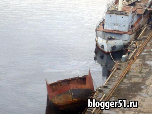 В 60 км от Мурманска утонула плавтехбаза, перевозившая ОЯТ