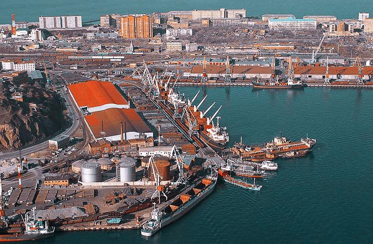 Мурманский морской торговый порт «уйдет» другу премьера за 250 млн$