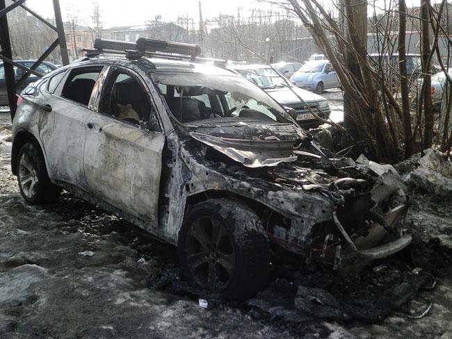 Сгорела BMW X6
