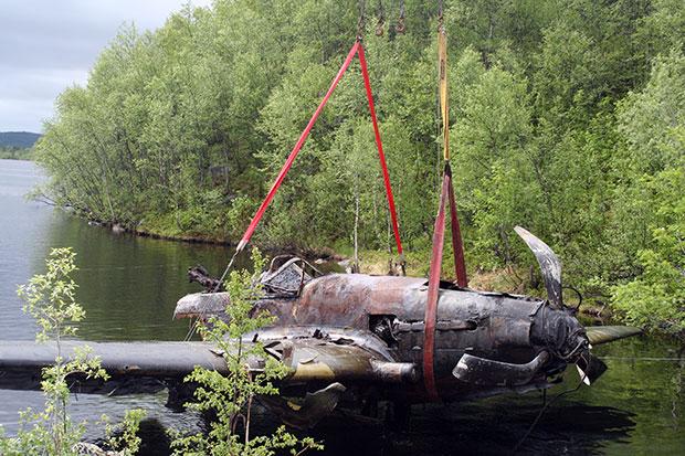 В Мурманской области из озера поднят штурмовик Ил-2
