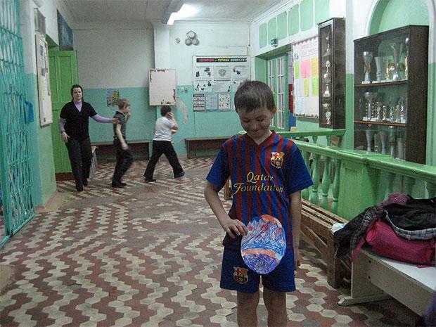 Кольские служащие подвинут детей
