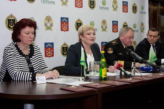 Валентина Репникова и Марина Ковтун - дипломы РАНХИГС академии гослужбы
