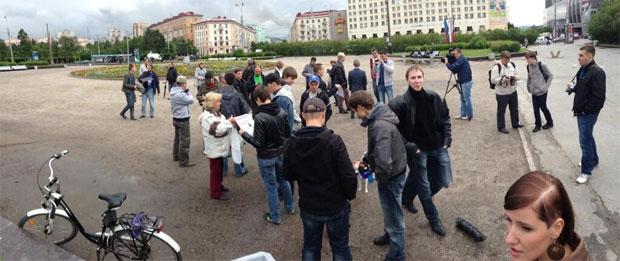 Навальный освобожден под подписку в зале суда