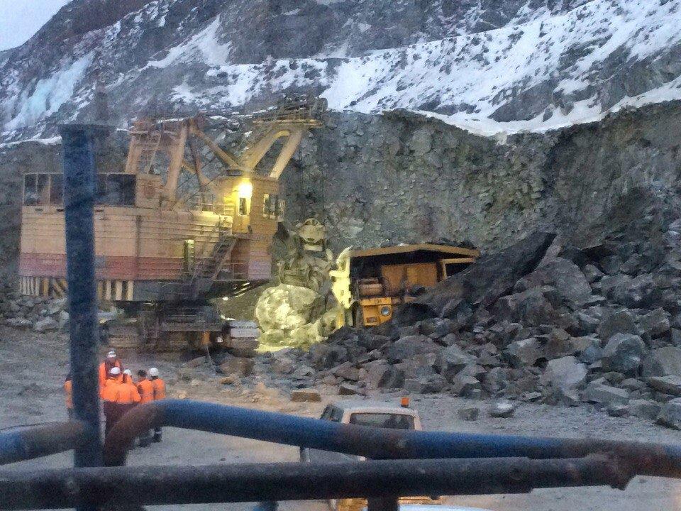 На руднике Ковдорского ГОКа обрушился карьер Еврохим